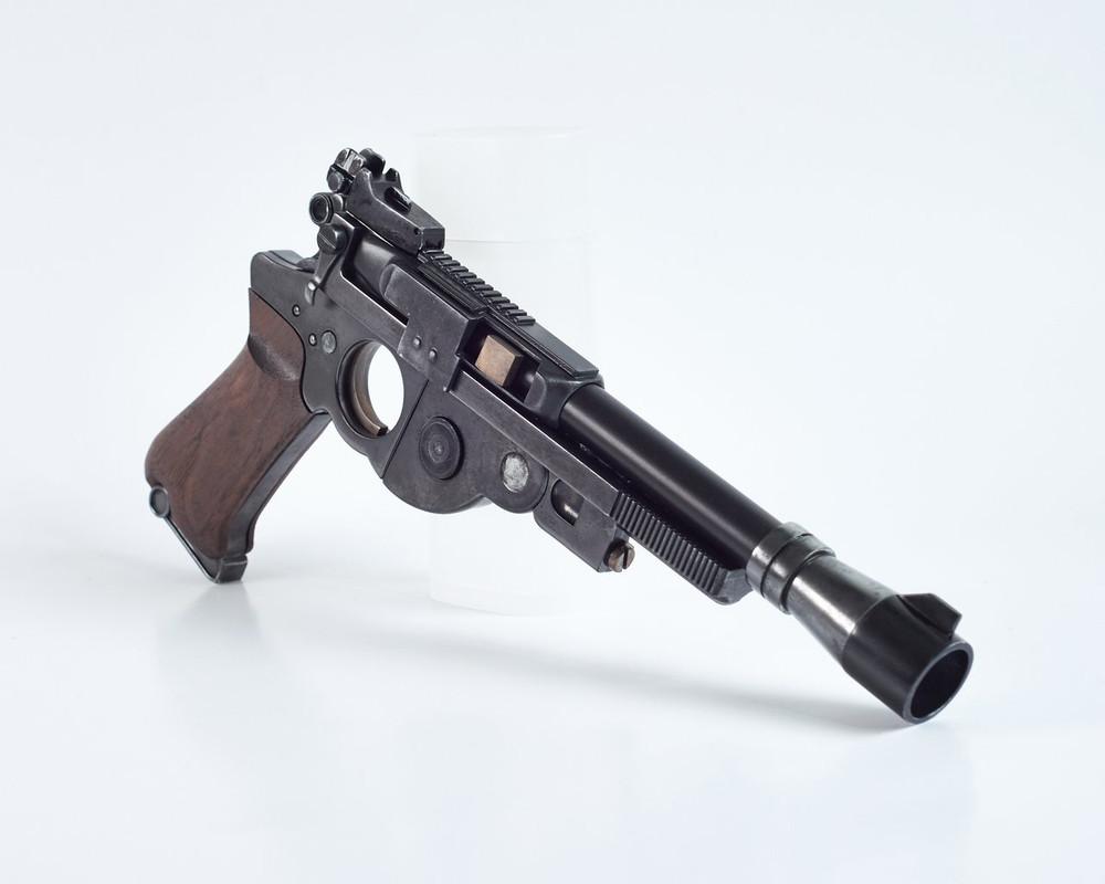 25-JOATRASH-FX-Mando-sidearm-0016-JPG-2500px-72dpi.jpg