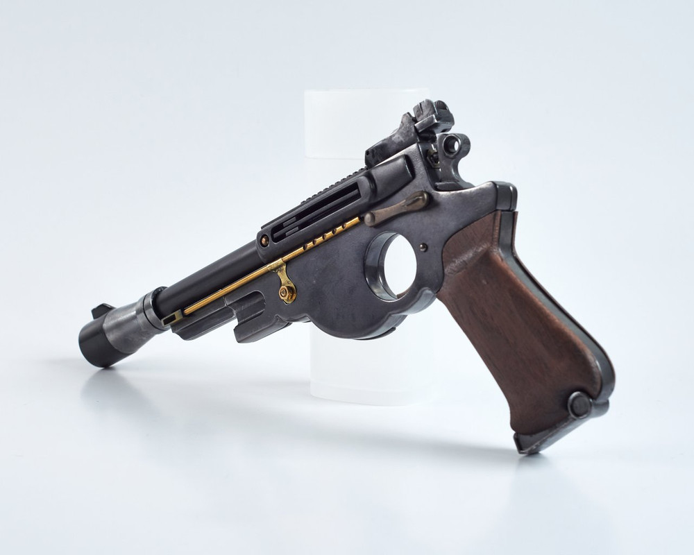 25-JOATRASH-FX-Mando-sidearm-0017-JPG-2500px-72dpi.jpg