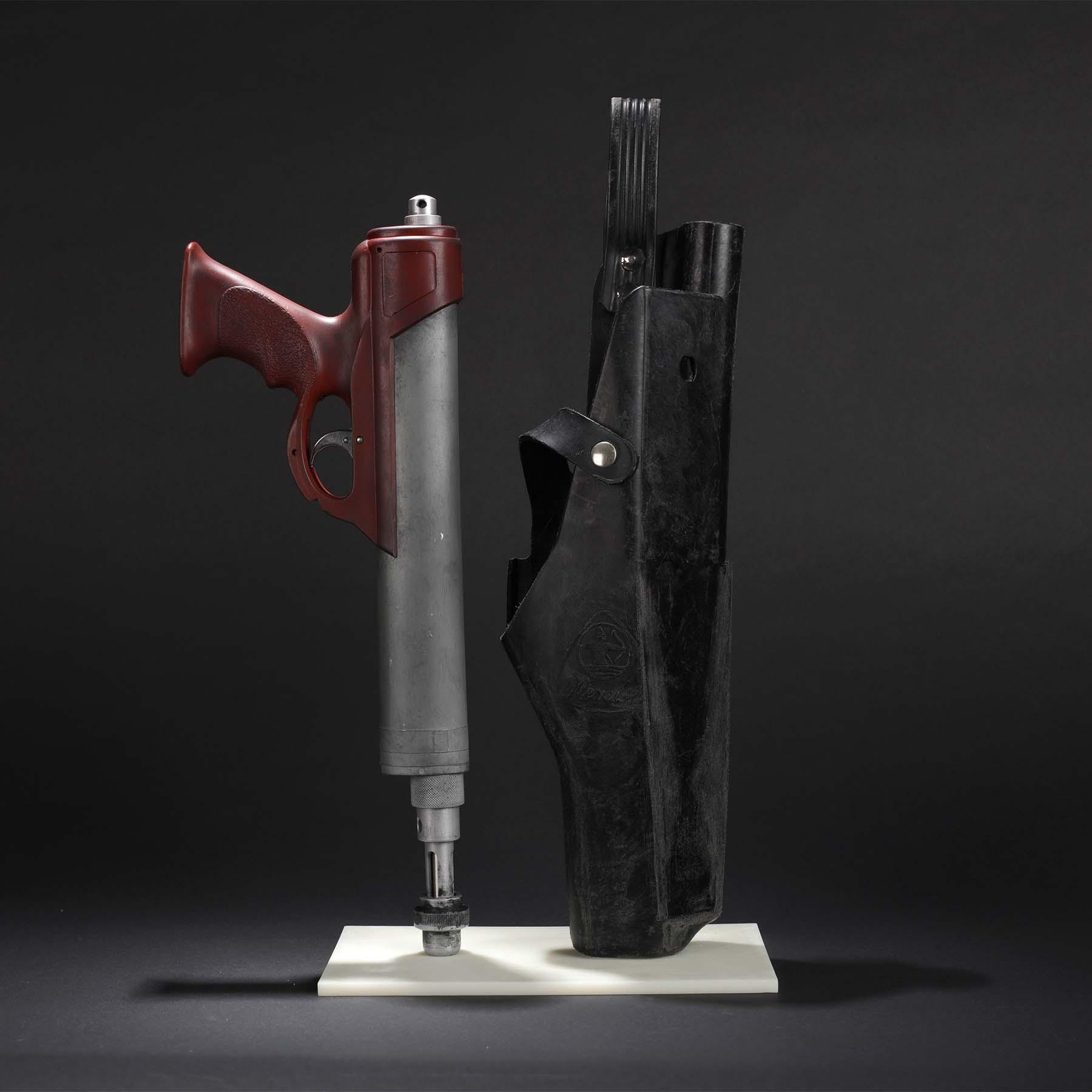 Boba-Fett-ESB-Pistol-and-Holster-Display.jpg