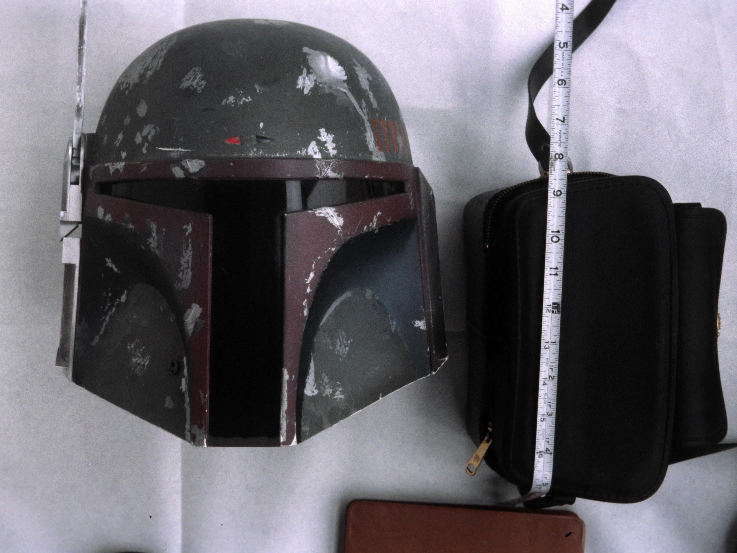 Boba-Fett-Return-of-the-Jedi-Helmet-07.jpg