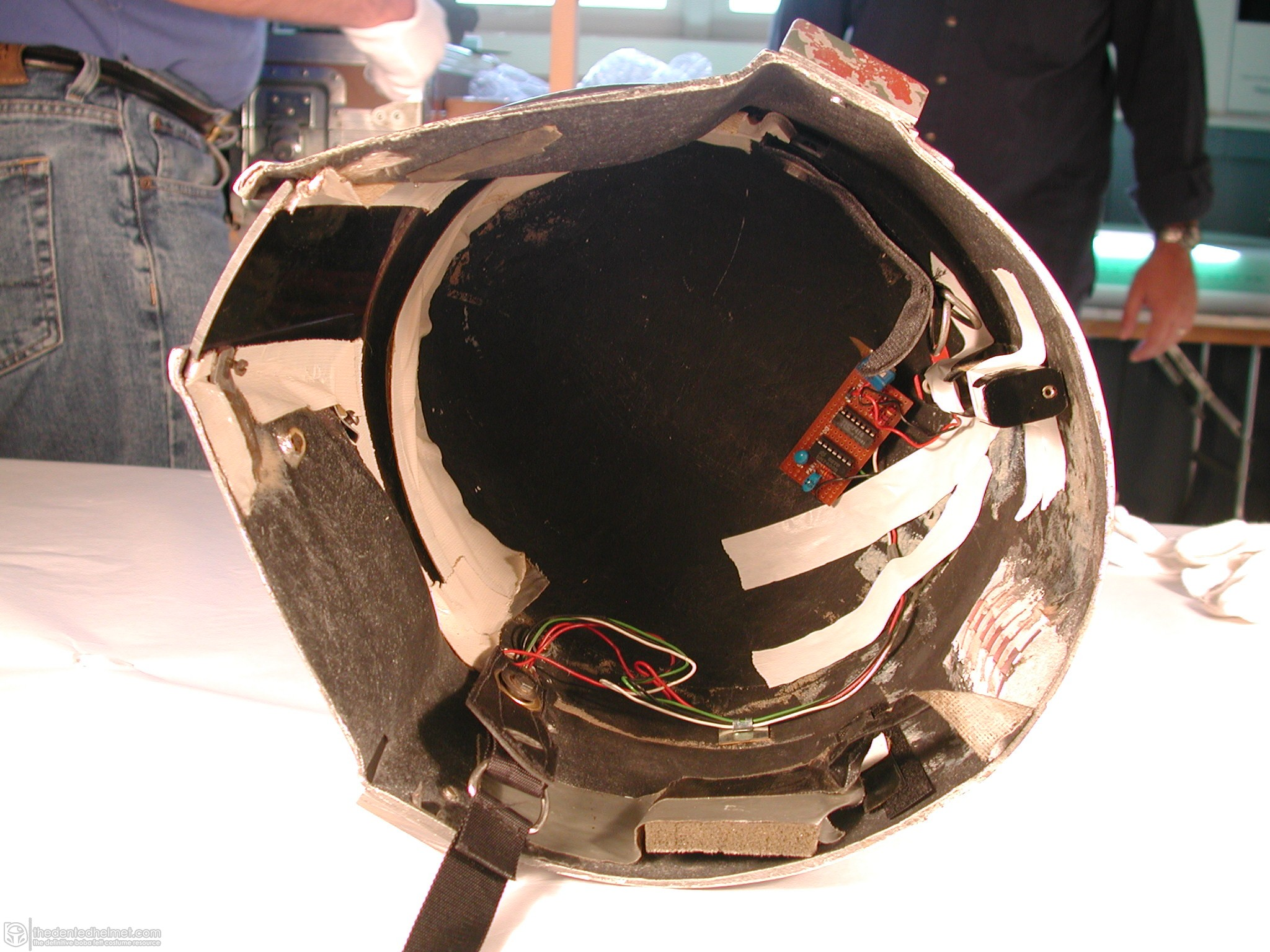 Boba-Fett-Third-Prototype-Helmet-003.jpg