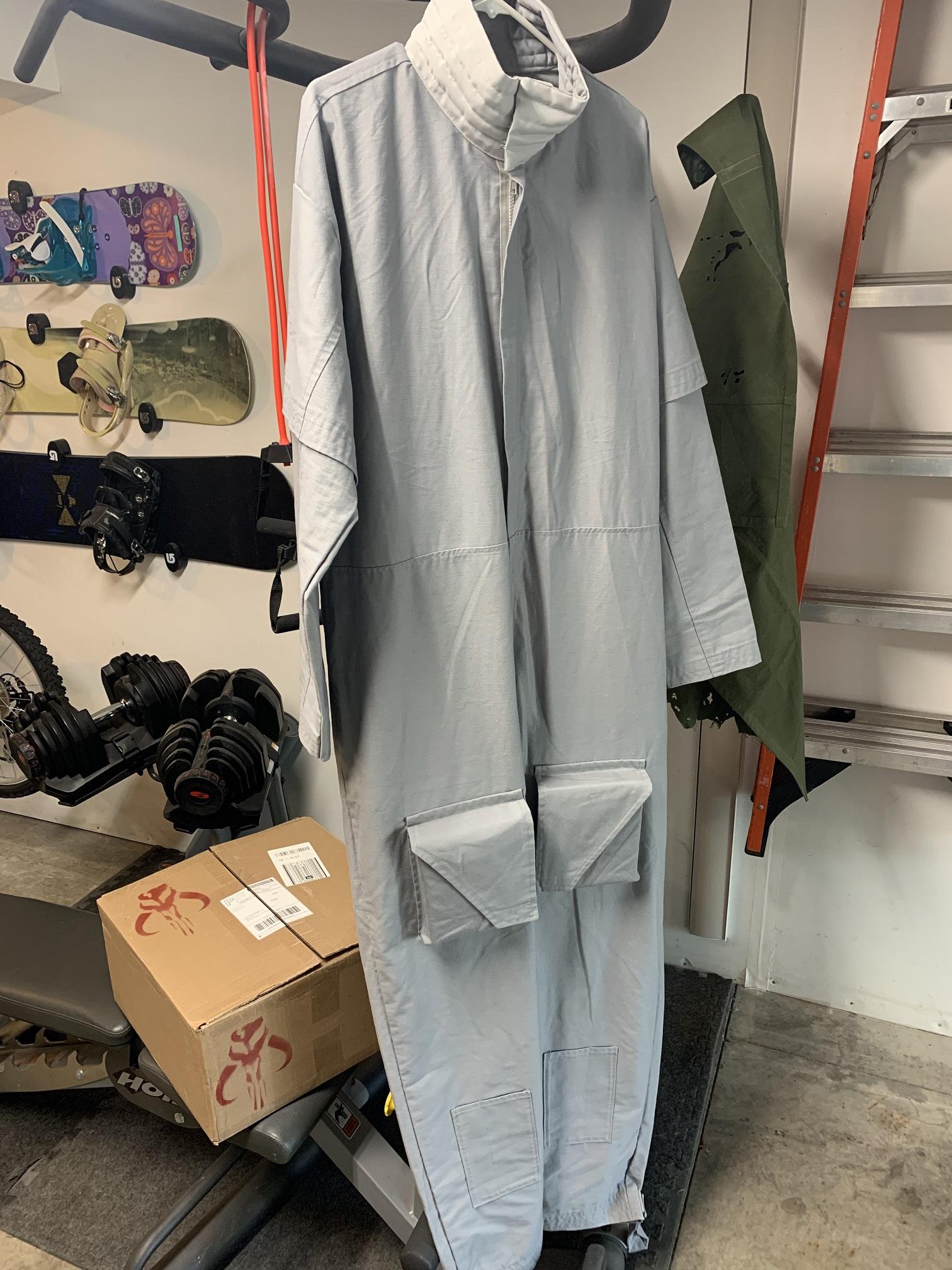 Flight Suit Thigh Pockets.jpg