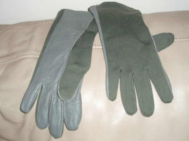 gloves-3.jpg