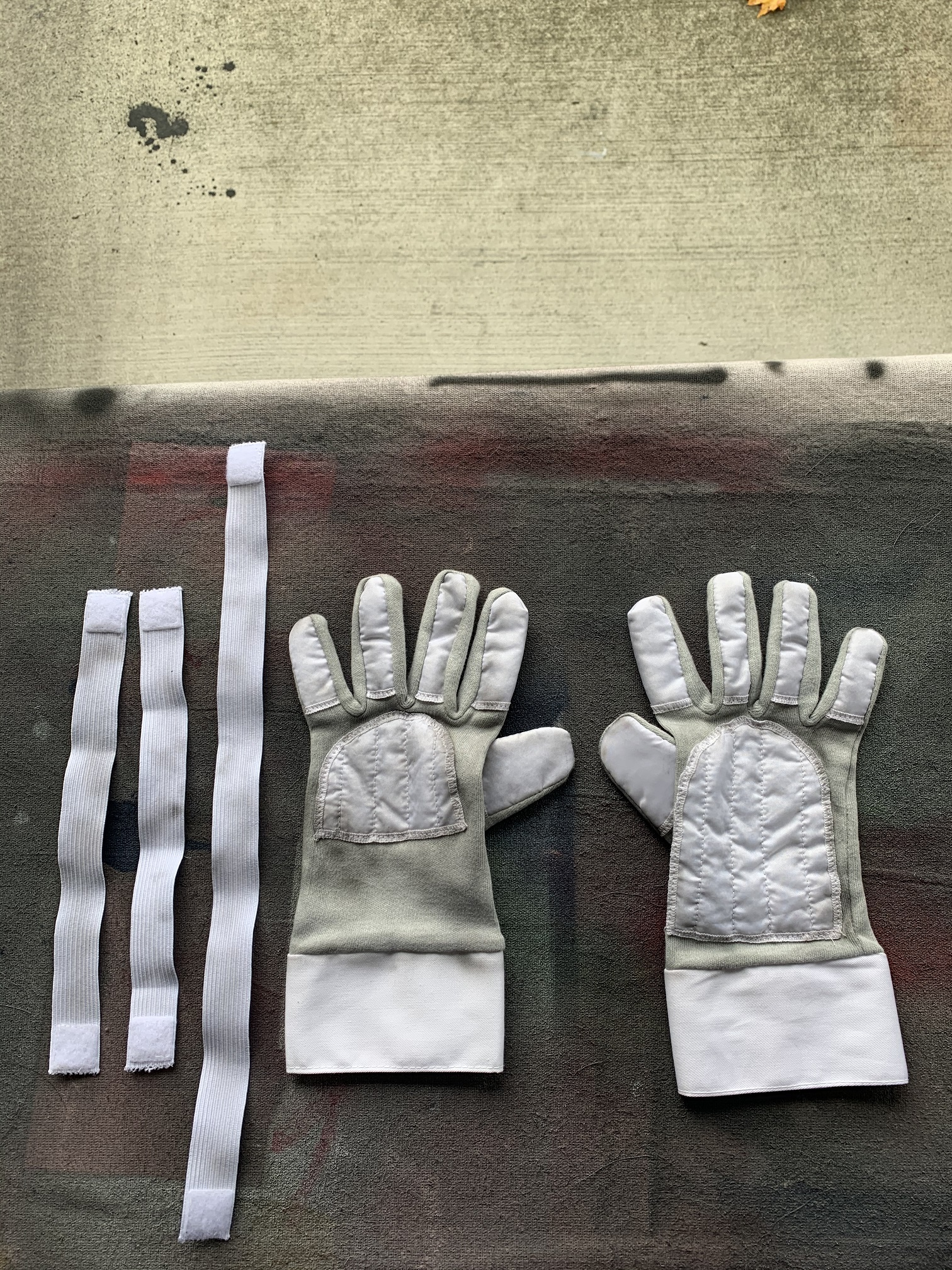 Gloves and Straps - Weathered.jpg