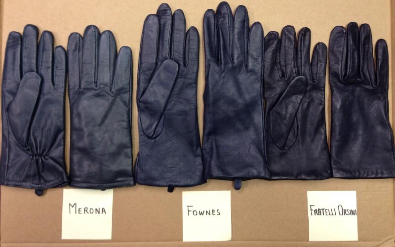 Jango_gloves_indoor_no_flash_zps943ea58d.jpg