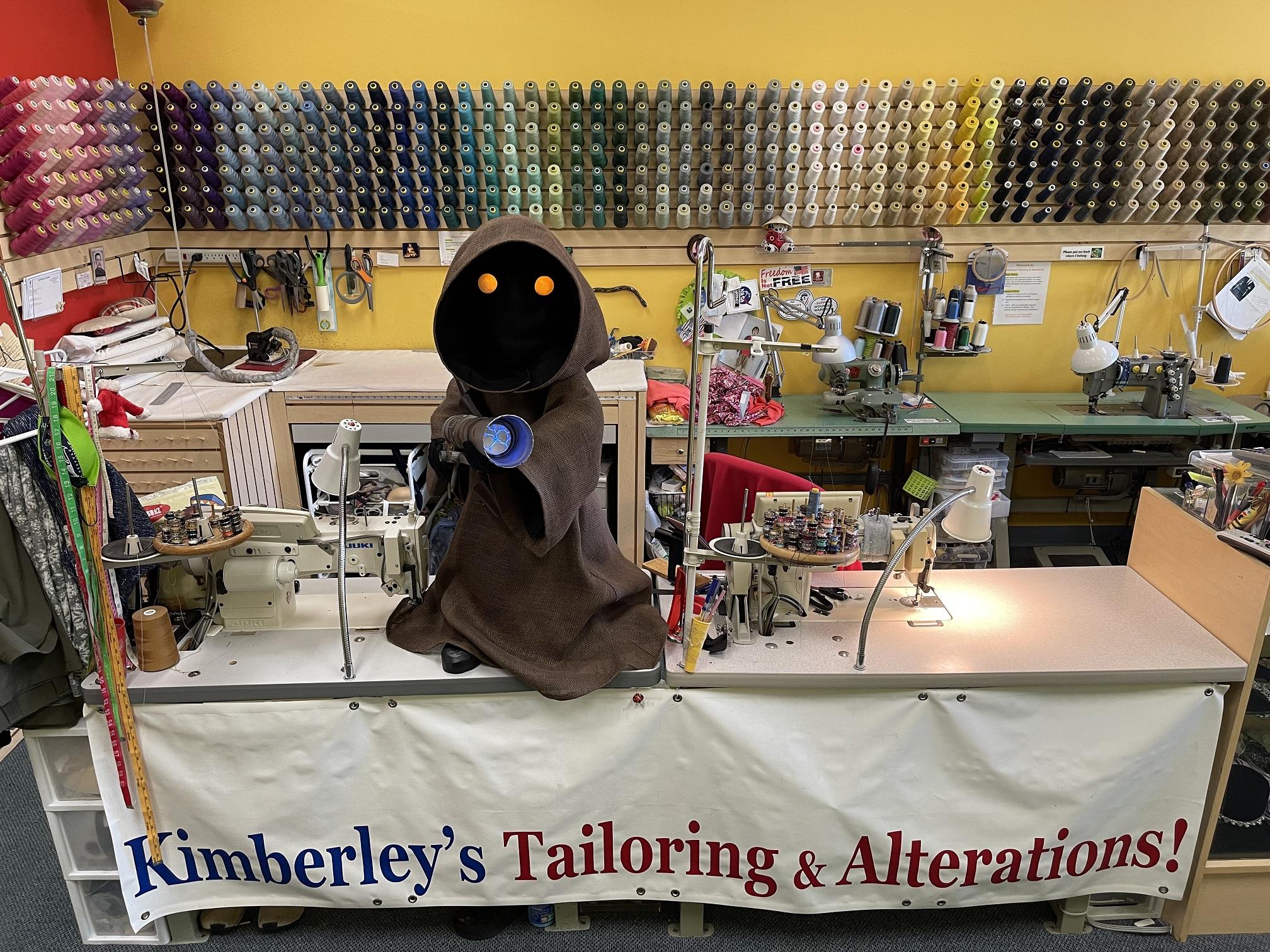 Jawa taking over Kimberlys Alterations.jpg
