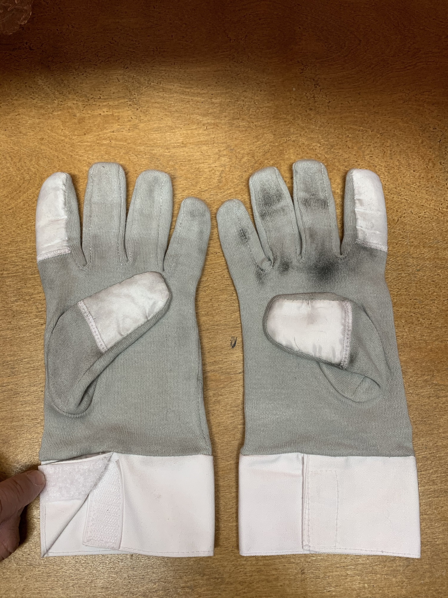 MoW ROTJ Gloves.jpg