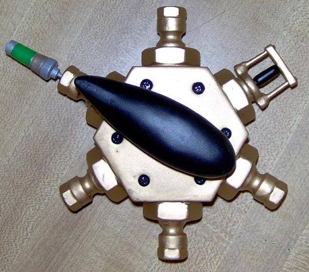 Multi-detonator 007sm.JPG