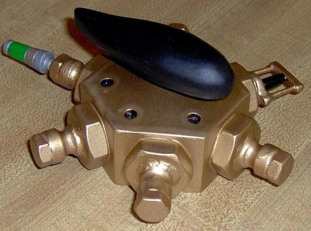 Multi-detonator 008cropped.JPG