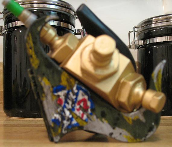 Multi-detonator Stand 005cropped.JPG