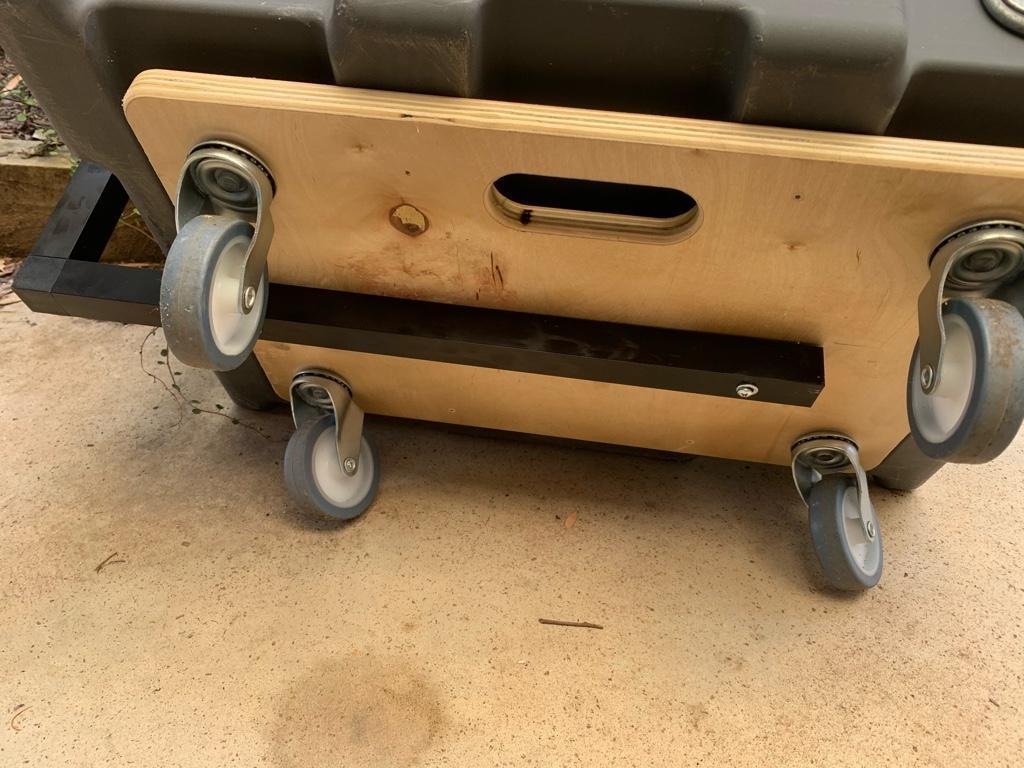 Travel box bottom.jpg